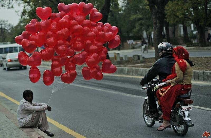 pakistan-valentine-day-photo