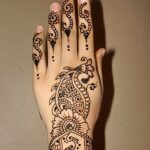 2013-party-mehndi-design-on-back-hand