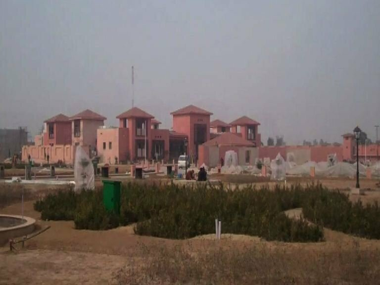 ZARDARI_and Bilawal HOUSE_Lahore