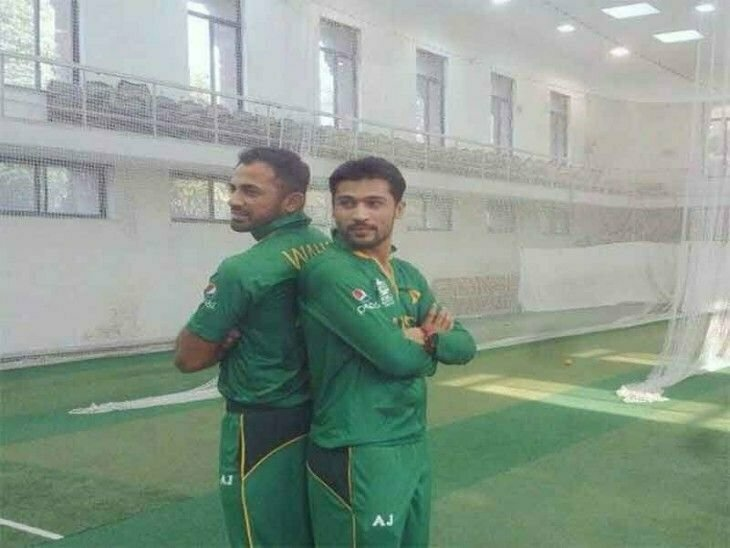 Muhammad Amir and Wahab Riaz Pose for the New Jersey