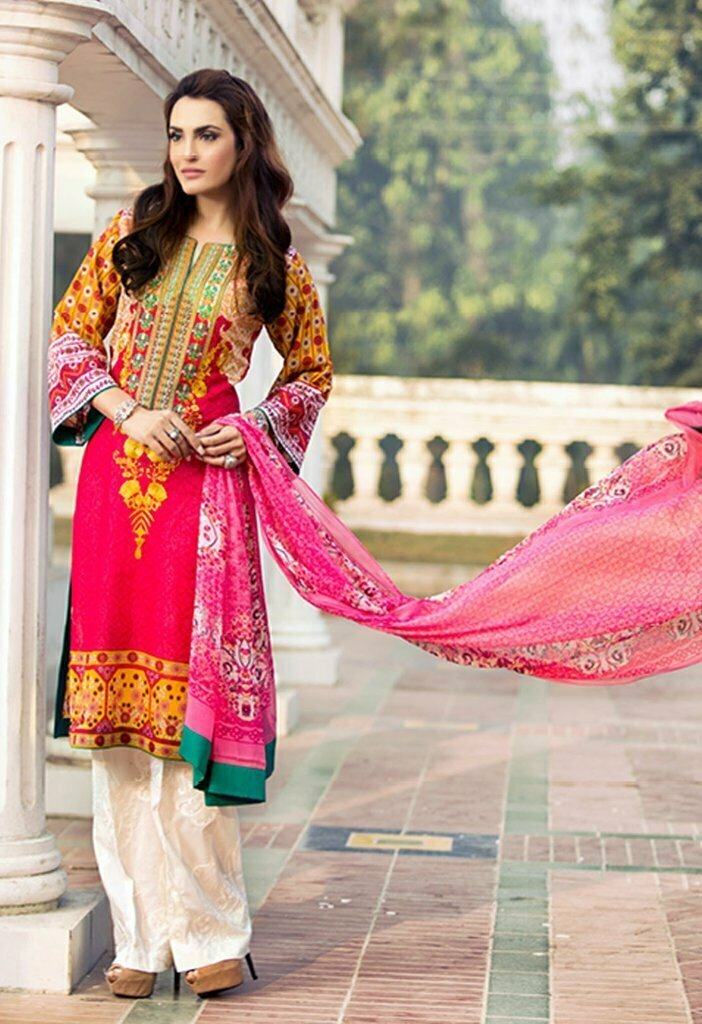 9741138b0b It is one of the most favorite textile industries of Pakistan. The fashion  line of Shariq Textile Fabrics by the name of Nadia Hussain ...