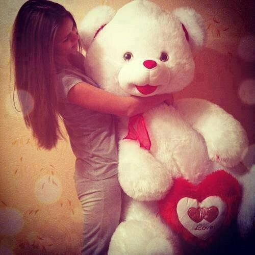 teddy-bear-with-girls-cool-facebook-display-pictures-and-timeline-pics