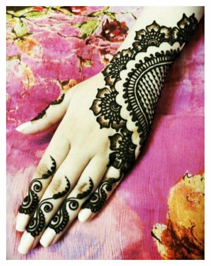 Attractive-hand-MEHNDI-DESIGNS
