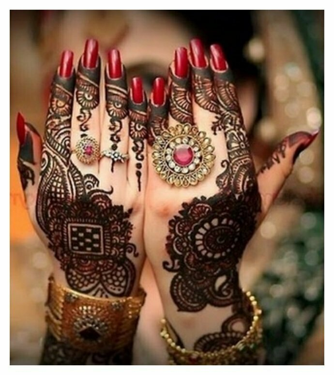 Bridal-Saloon-MEHNDI-DESIGNS-pictures