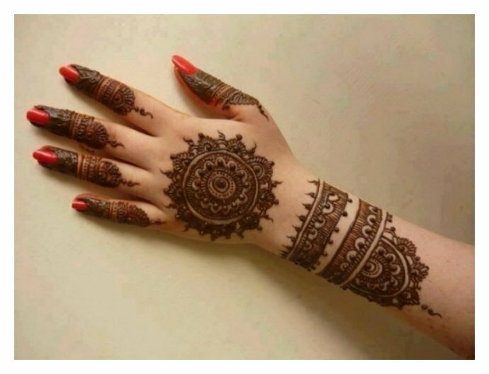 Simple-but-elegant-MEHNDI-DESIGNS-for-girls