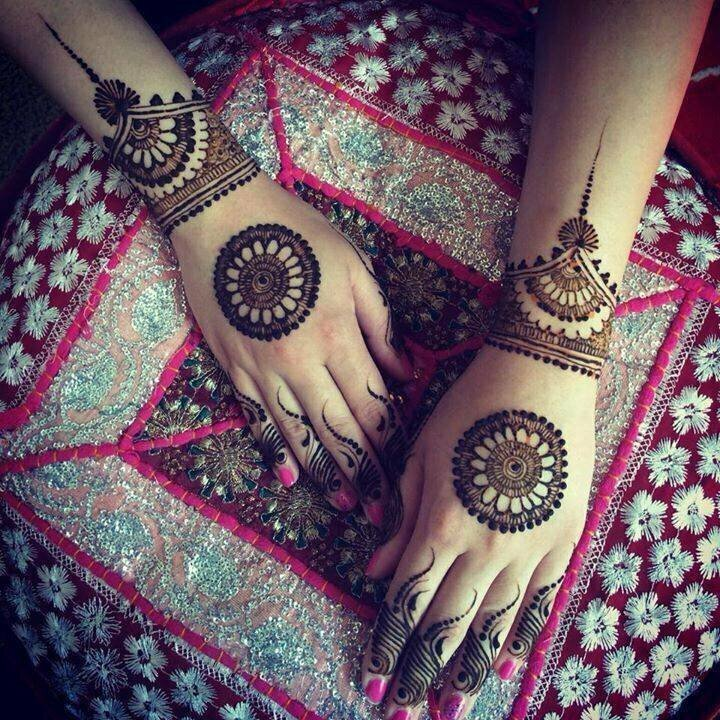 Stylish-Trendy-Arabic-Mehandi-Designs-Collection-for-Hands-Feet-2015-2016-16