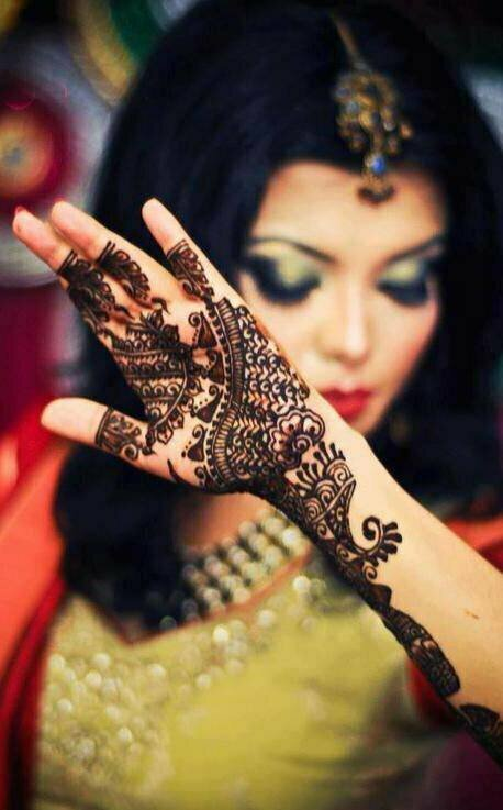 Stylish-Trendy-Arabic-Mehandi-Designs-Collection-for-Hands-Feet-2015-2016-2