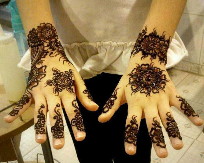 Stylish-Trendy-Arabic-Mehandi-Designs-Collection-for-Hands-Feet-2015-2016-21