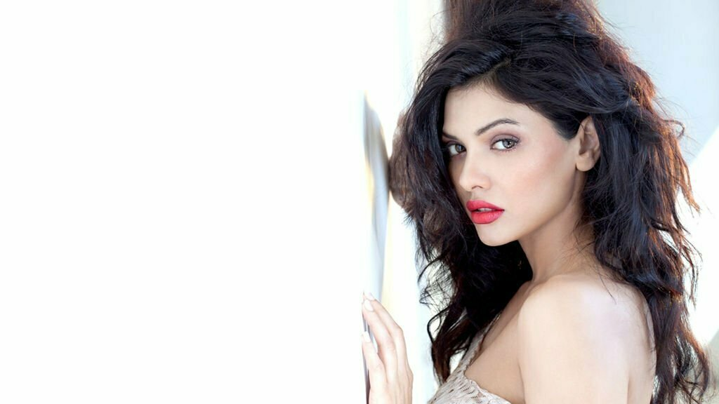 sara-loren-hd-wallpaper