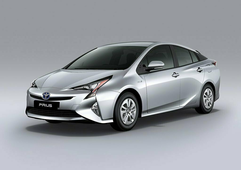 toyota prius 2017 launched in pakistan price specs and pics. Black Bedroom Furniture Sets. Home Design Ideas